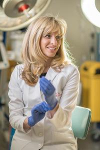 Dr Raelia Lew (Gynaecologist)